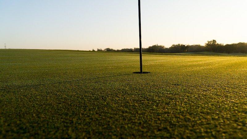 Nyklippt golfgreen att uppleva med Golfhäftet